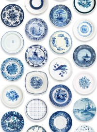 Blue Porcelain, papier-peint assiettes bleues par Studio Ditte