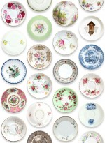 Porcelain plate wallpaper by Studio Ditte