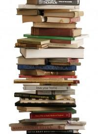Books, papier peint pile de livres par Tracy Kendall