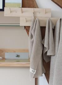Wooden coat hanger by Iris Hantverk