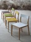 Air, chaise en bois massif par Mint