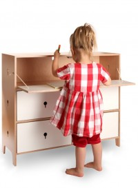 Commode-bureau pour enfants Flapjack par Sebastian Bergne