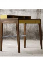 Bureau compact en bois massif par Mint