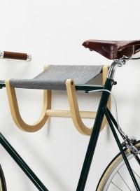 Wall mounted bike rack by Zilio Aldo