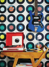 Papier peint disques vinyles 45 tours Sevens fond taupe