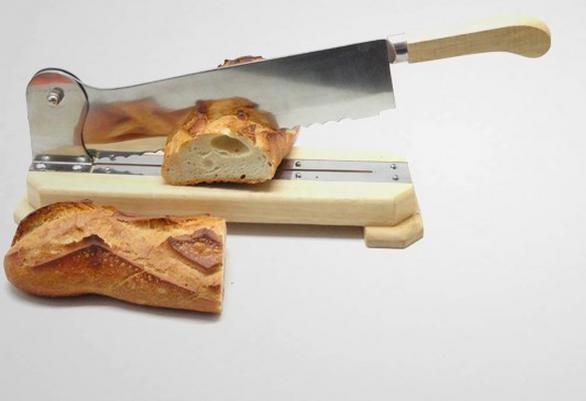 coupe pain sur socle en bois massif professionnel à lame de 35 cm