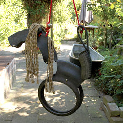 Balançoire cheval en pneu recyclé by Esschert